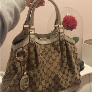 Authentic Gucci handbag!!! Brand new !!
